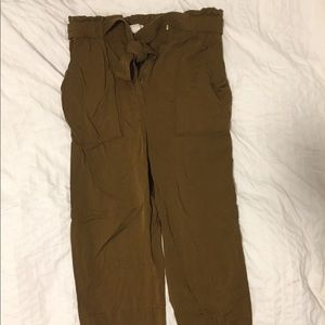 Olive pants with belt